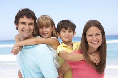 familia feliz 8483220 s